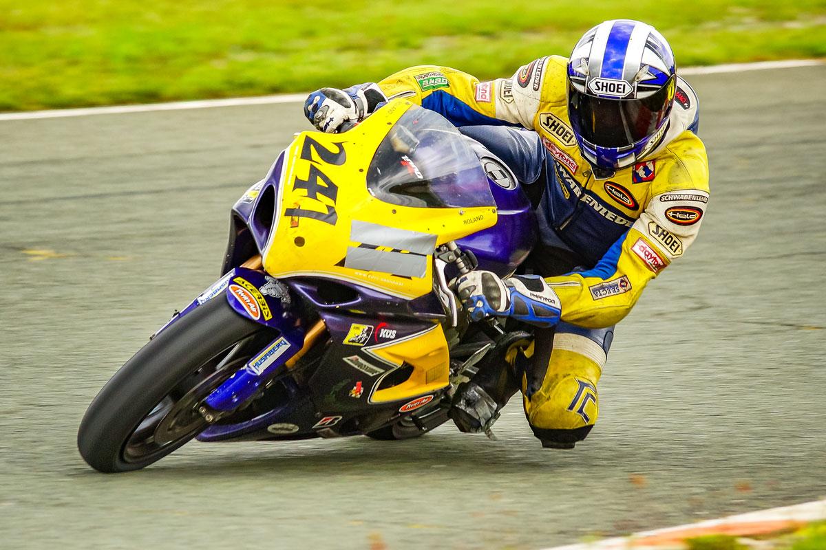 gelbes Rennmotorrad