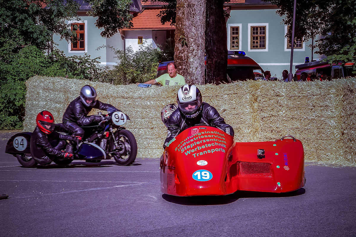 rotes Rennmotorrad