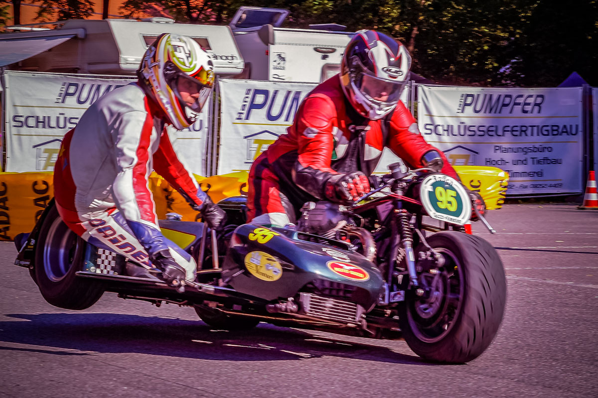 Motorrad mit Seitenwagen