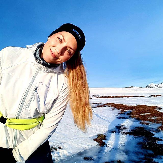 langtur på fjellet en kald februardag