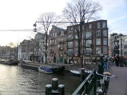 kunstwerk aan brug te Amsterdam.JPG