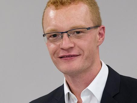 Prof. Dr. Alexander Zureck - FOM Hochschule für Oekonomie & Management
