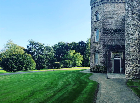 Cardiff wedding magician - Kirsty & Jason Wedding | Hensol Castle