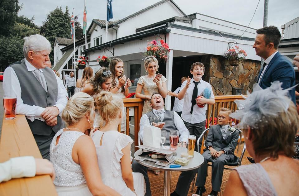 Cardiff Magician, Cardiff wedding magician performs at a bridgend wedding