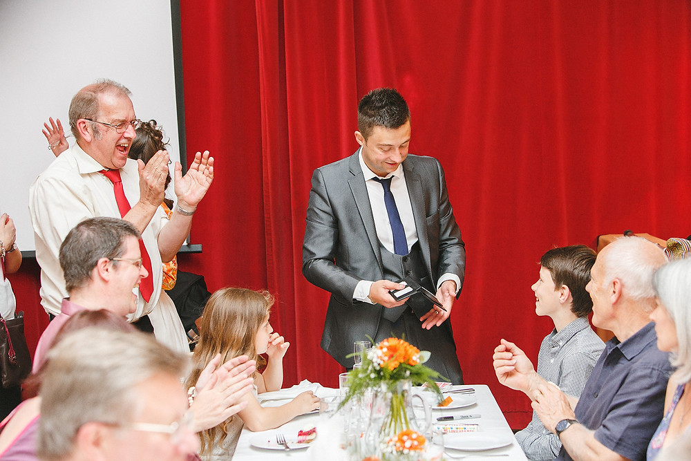Cardiff Magician amazes at a Wedding