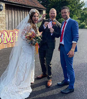 Cardiff magician at Newport wedding.jpg