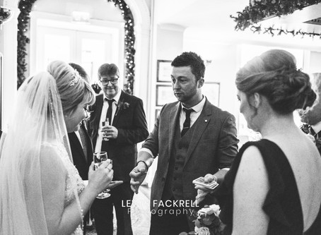 Hiring a wedding magician in South Wales – 3 easy tips to ensure you get the right magician and magi