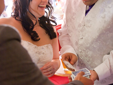 3 tips if your thinking of booking a wedding magician?