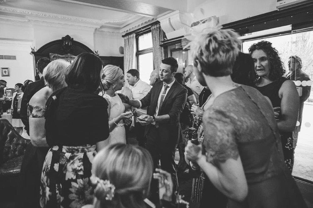 Cardiff magician and wedding magician performs at wedding