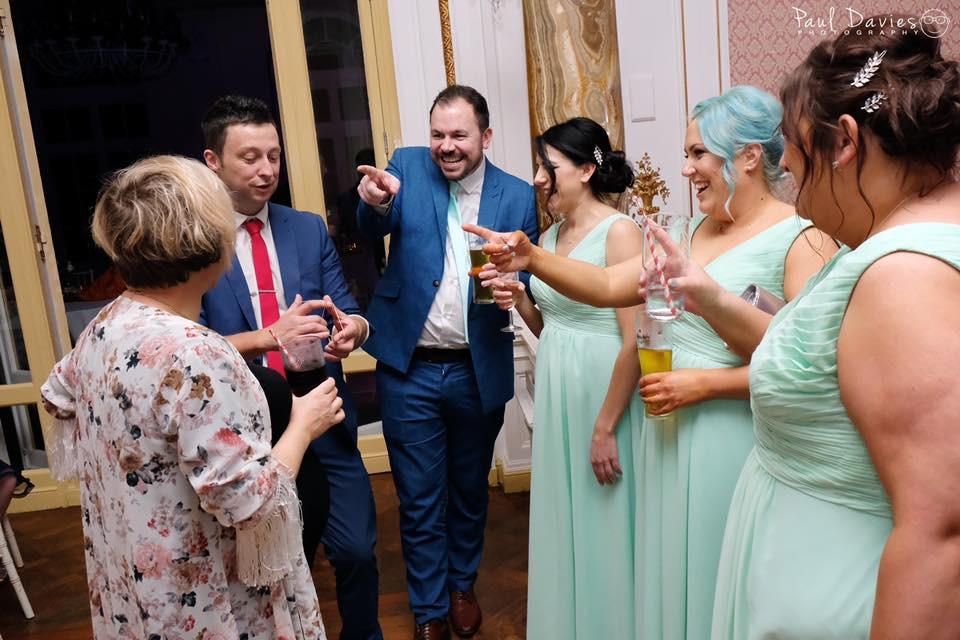 cardiff magician, Cardiff wedding magician, magicians cardiff
