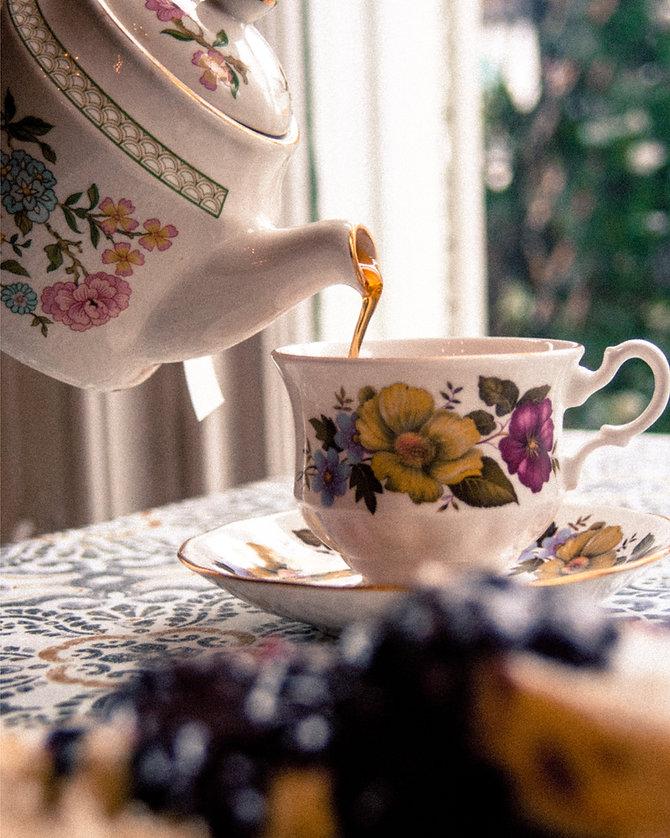 tea and scone-01.jpg