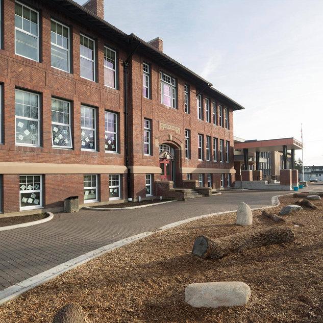 Quadra School