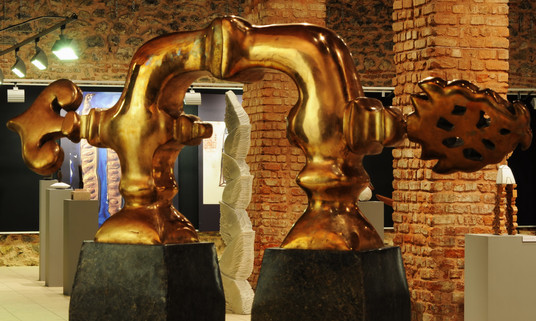 All Waters of the Earth Interwine, 2008, Bronze, stone, 210 x 185 x 60 cm