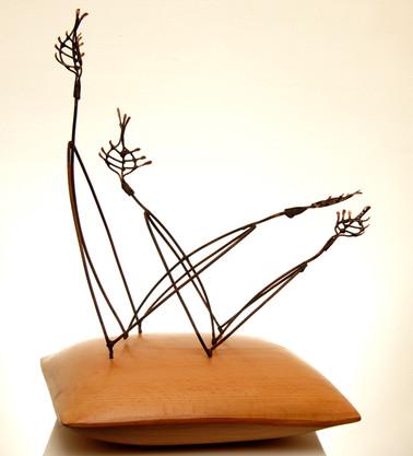Talk to her, 2005, Wood, copper, 45 x 30 x 30 cm