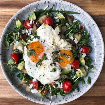Breakfast #SaladsThatDontSuck. I actuall