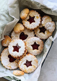 Festive Linzer Biscuits - The best jam sandwich!