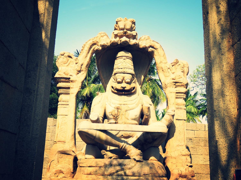 Ganesha in Hampi Vijayanagar_edited