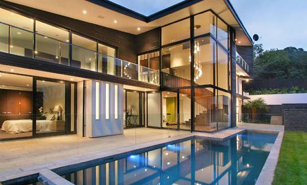 Remuera-The-Modern-Glass-House-with-Luxu