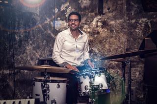 Als Profi-Schlagzeuger in allen Musikgenres zu Hause