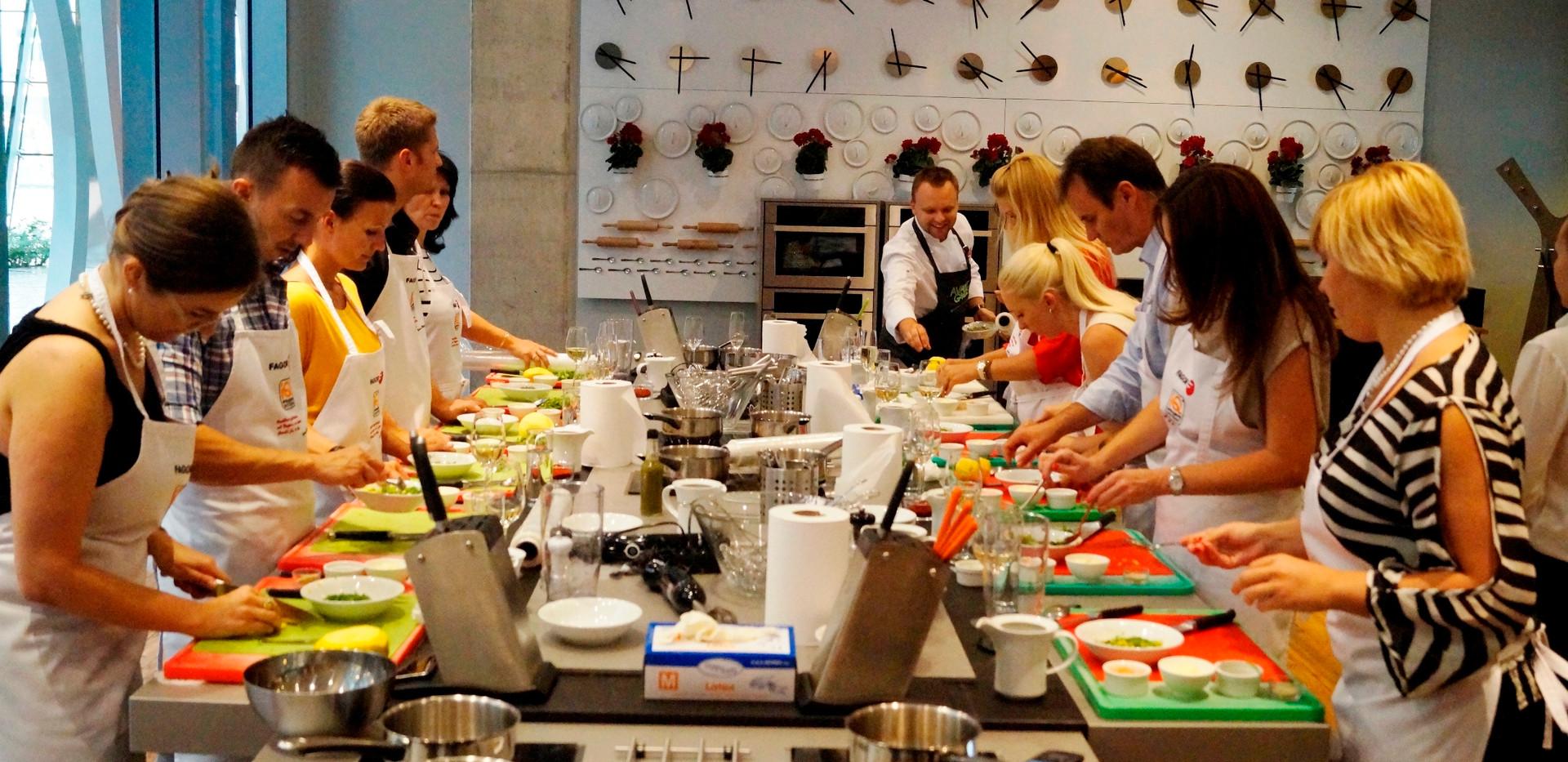 Bibimbap cooking-02.jpg