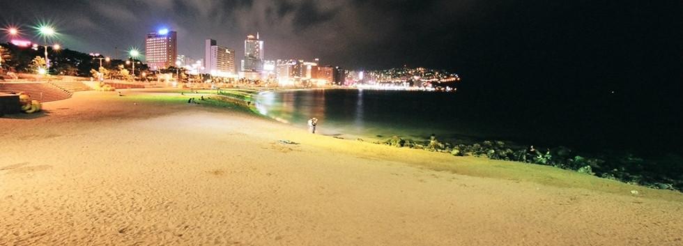 Busan Haeundae beach-02.jpg