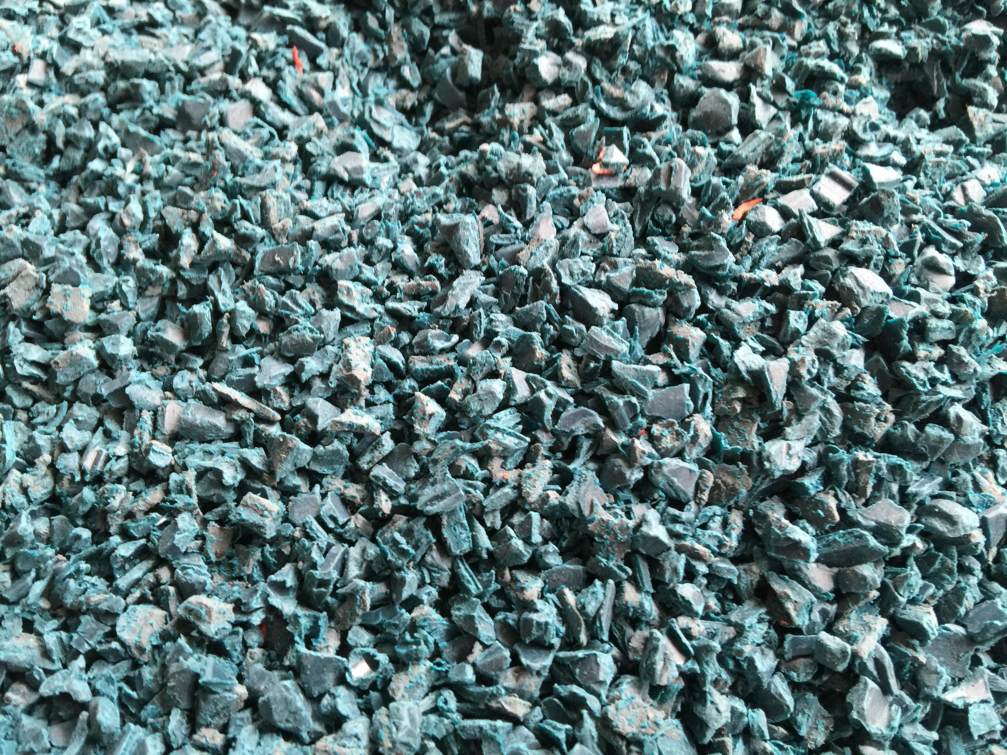 PA6 GF 30% blau-bunt  + TPE Mahlgut 5