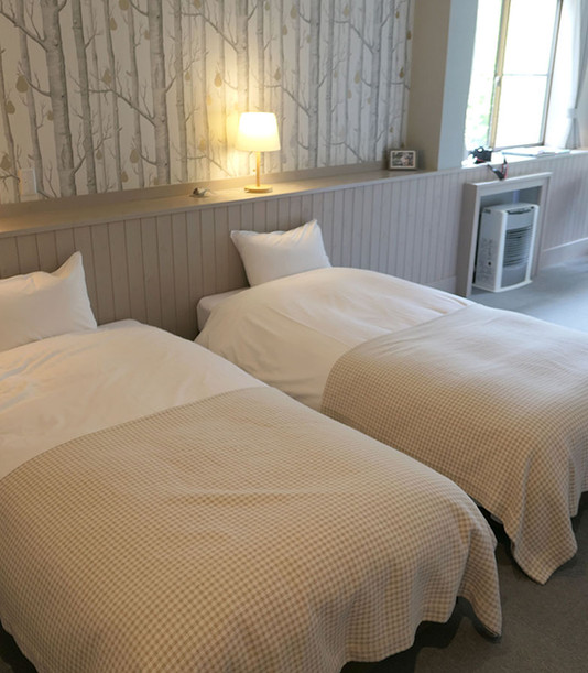202 Beds from door P1010346.jpg