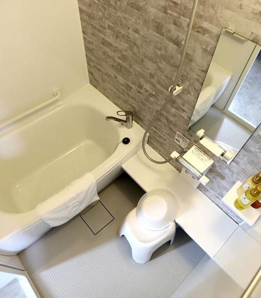 202 Bath IMG_0947.jpg