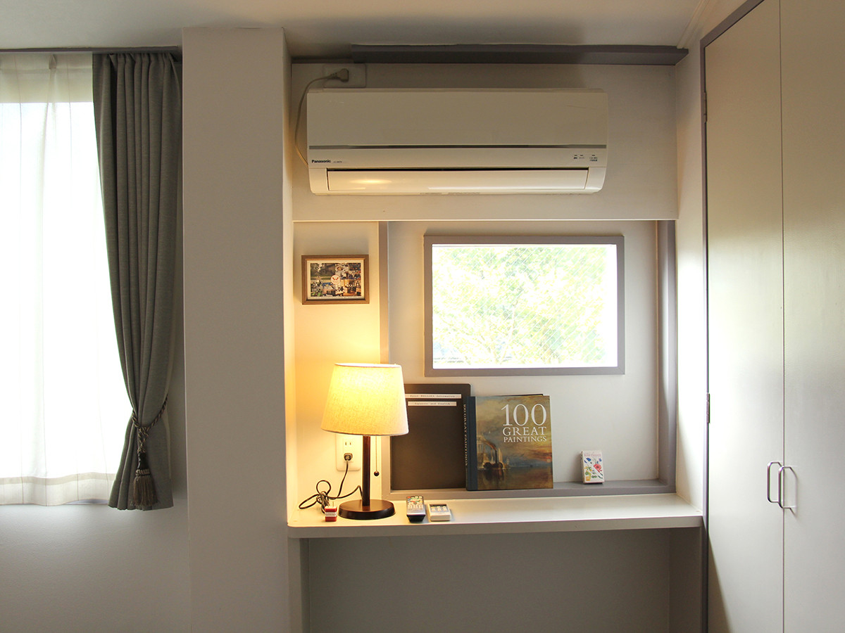 209 window.jpg