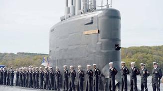 21854250_web1_Web_SubmarineFraud.jpg