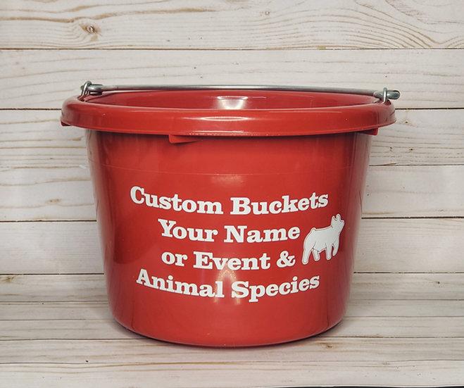 Custom Livestock 8 Qt Feed Bucket