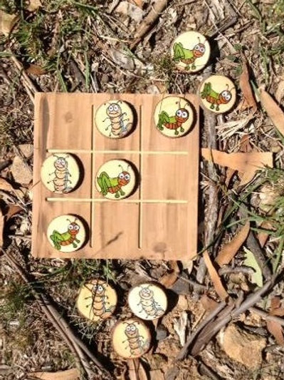 Grasshoppers and Caterpillars tic tac toe set