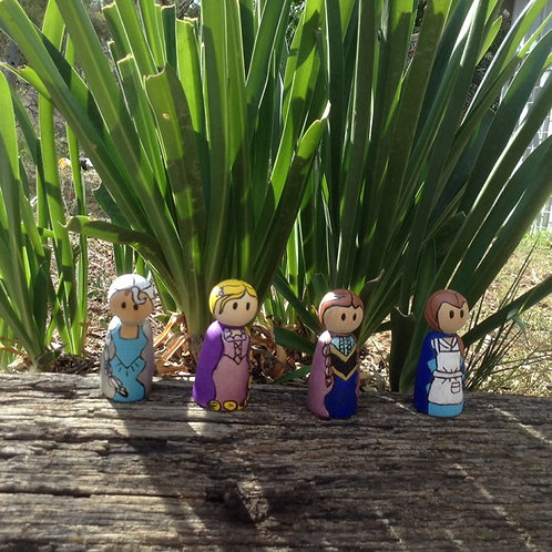 Handpainted wooden dolls x4 princesses small