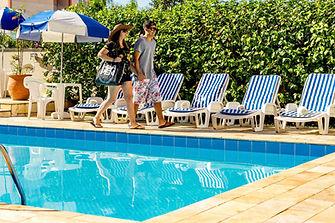 Piscina Hotel Itapetinga 1.JPG