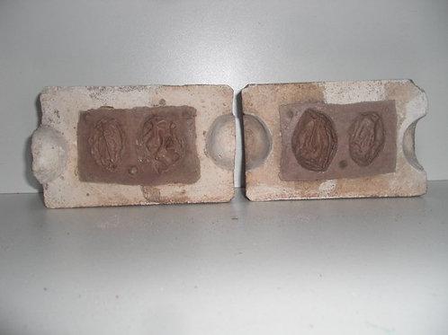 029 Antike 1-teilige Marzipanform aus Schwefelstein / Gips