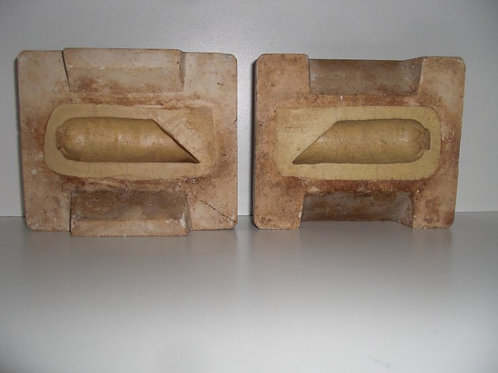 034 Antike 2-teilige Marzipanform aus Schwefelstein / Gips