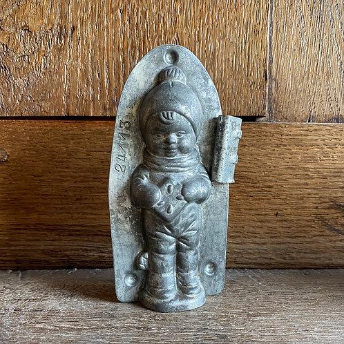 Antike, seltene Schokoladenform JUNGE MIT LEBKUCHEN UND SPIELZEUG, 13 cm
