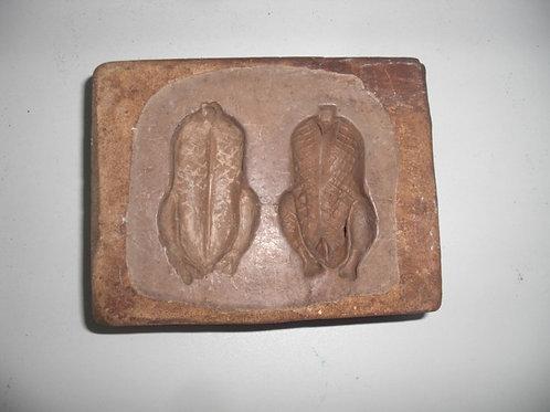 015 Antike 1-teilige Marzipanform aus Schwefelstein / Gips