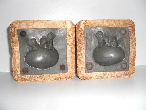 047 Antike 2-teilige Marzipanform aus Schwefelstein / Gips