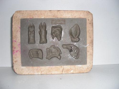020 Antike 1-teilige Marzipanform aus Schwefelstein / Gips