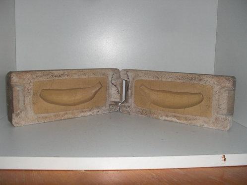 028 Antike 2-teilige Marzipanform aus Schwefelstein / Gips