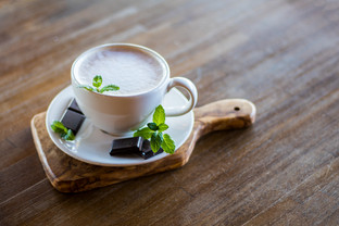 Dark Chocolate Peppermint Tea Latte