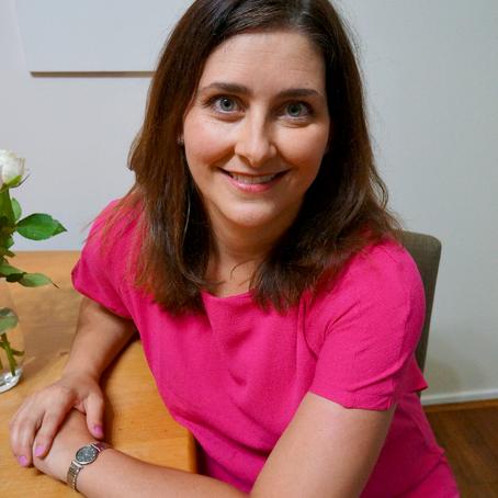 Chatting royal romance, fashion and art with Jayne Kingsley