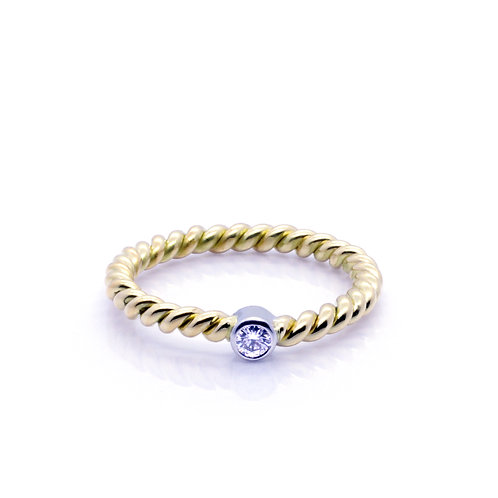 9ct Yellow Gold and Diamond Twisted Band.