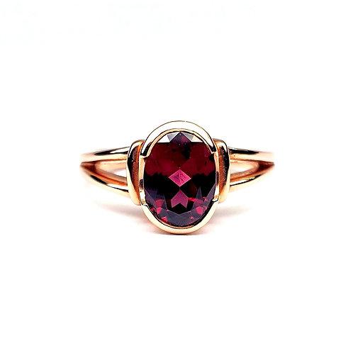 9ct Rose Gold and Garnet Ring.