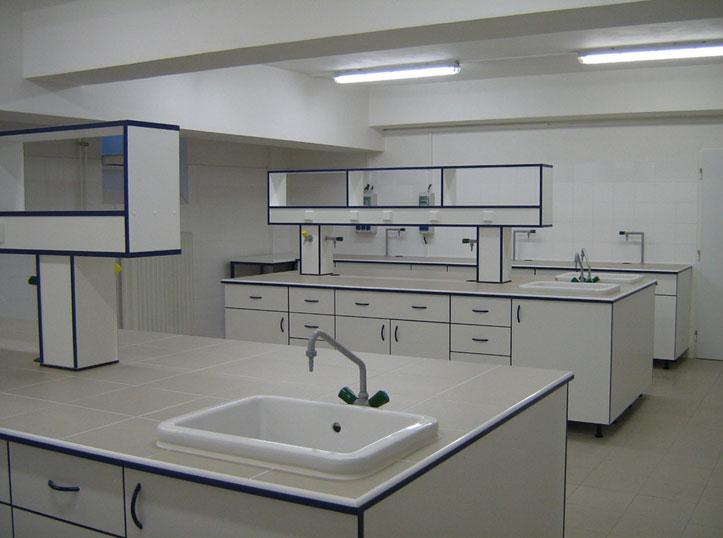 laboratorni-nabytek-05v.jpg