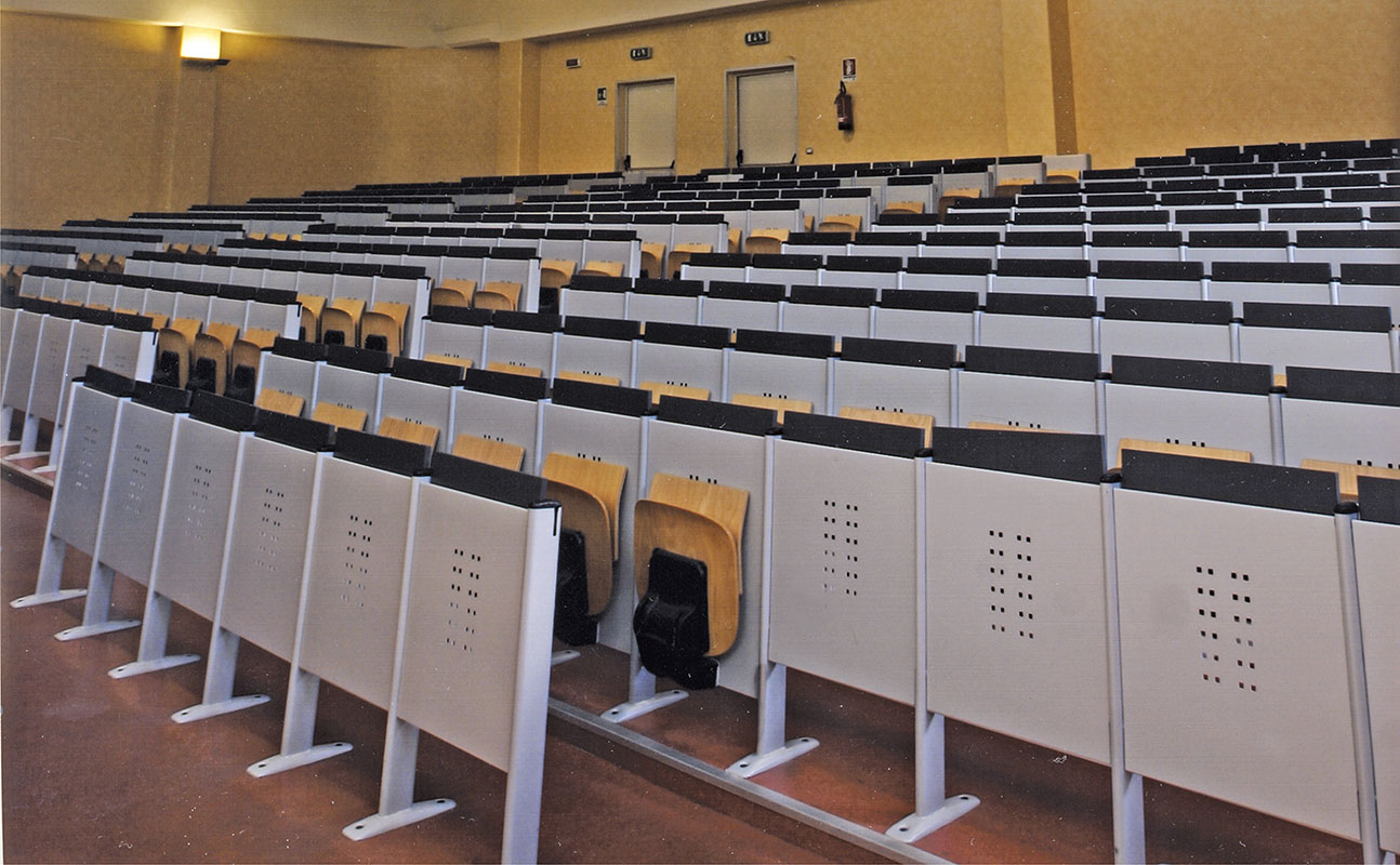 auly-auditorium-nabytek-04.jpg