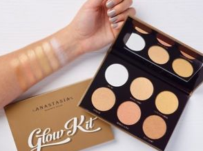 Gilmore Beauty - Anastasia Beverly Hills Ultimate Glow Kit