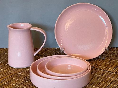 Conjunto (travessas redondas, jarra e prato raso)