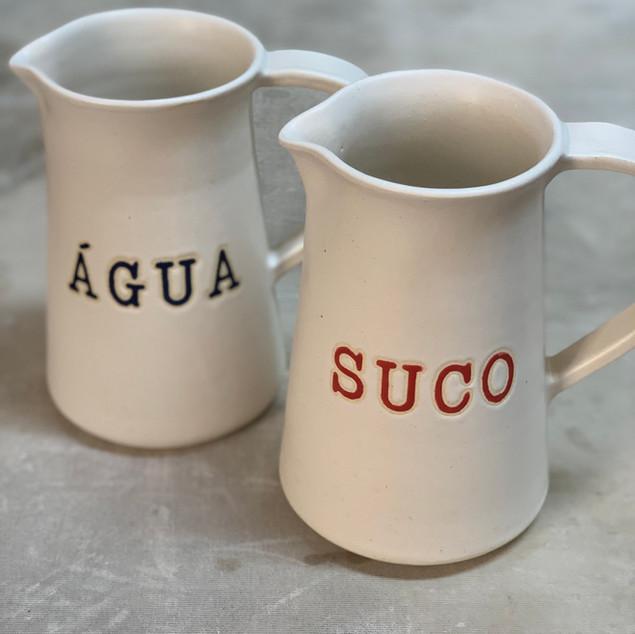 Jarras água e suco exclusividade Lá em Casa)
